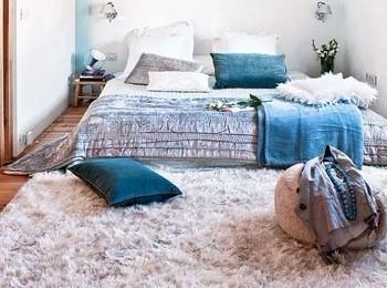 墙面上的木条,搭配地面上质地完全不同的木头地板,整体寻求统高清图片