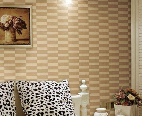 装修墙纸效果图:现代简约墙壁纸图片搭配黑白斑点的靠背十