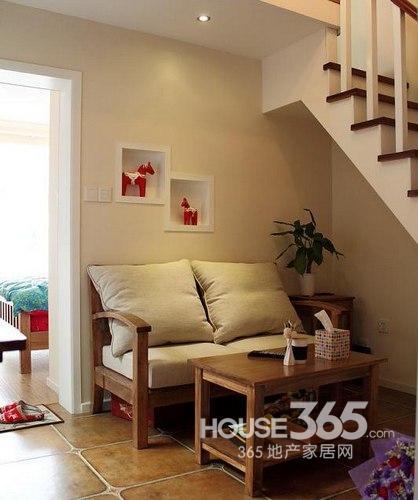 40平方米装修效果图:乡村格调的沙发与茶几