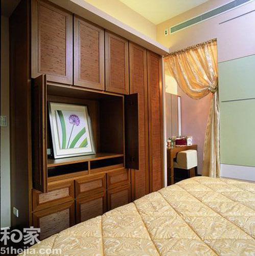 卧室,衣柜电视柜结为一体