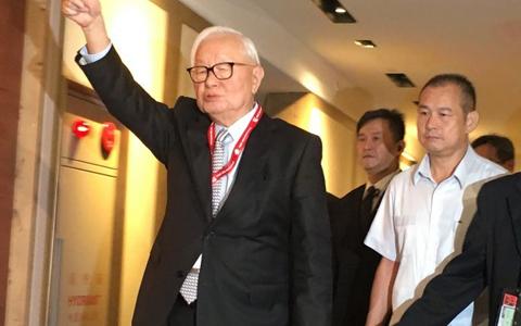 张忠谋:摩尔定律失效 2025年受挑战
