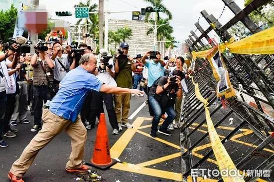 拒绝接受蔡英文道歉 八百壮士怒呛:靠她台湾就垮了