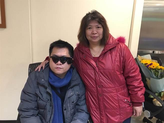 长庚医院电子眼技术助男子重见光明 亚洲仅两地可手术