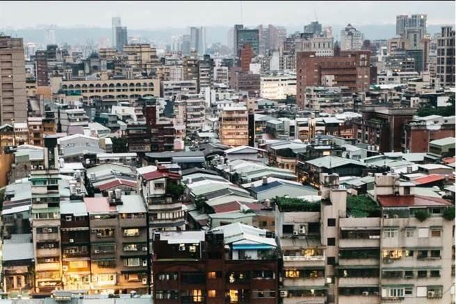 房价居高不下 台北市4年出走7万人