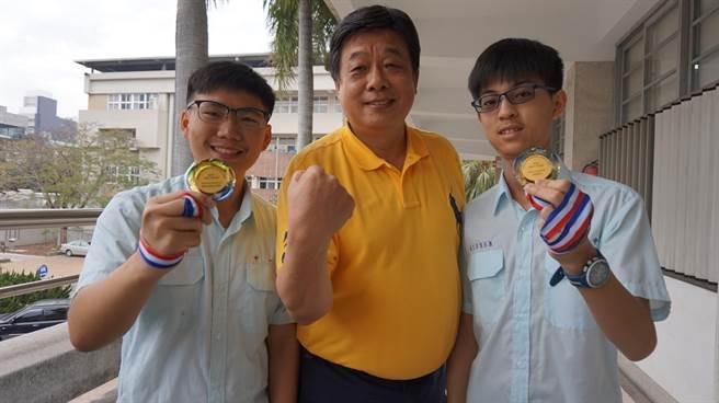 表姐罹癌骤逝 台湾高三学生研究胰脏癌夺科展一等奖