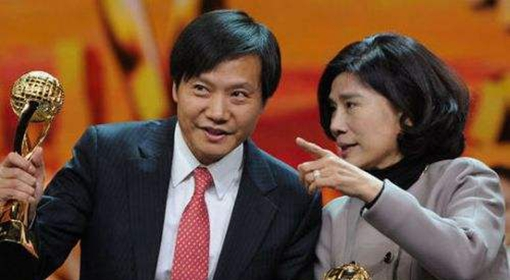 董明珠笑称与雷军10亿赌局明年见分晓:格力没问题.jpg