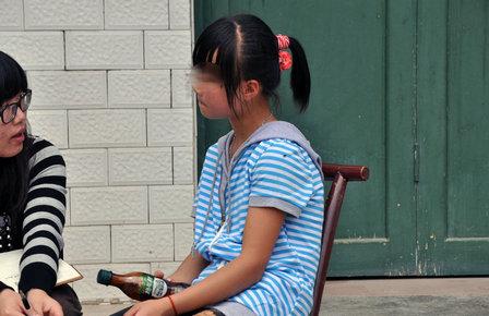 湖南小学生遭同班女生围殴-广东小学发生命案 五年级学生杀害六年级