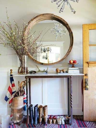 玄关隔断装修效果图:在进门处摆放一个玄关桌,就成为一个小